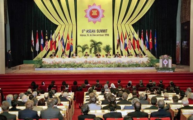 Le Vietnam contribue activement au developpement de l'ASEAN hinh anh 1