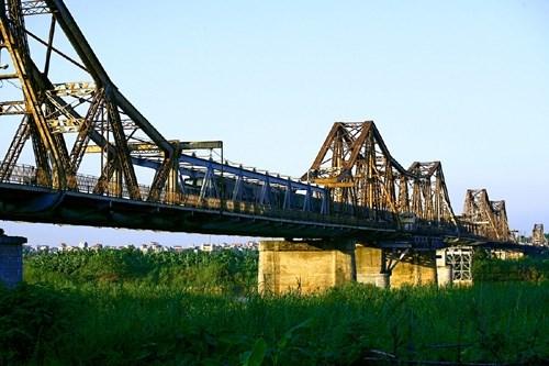 Hanoi a travers le temps avec les ponts hinh anh 1