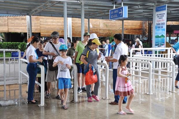 Hausse du nombre de touristes etrangers a Quang Ninh hinh anh 1