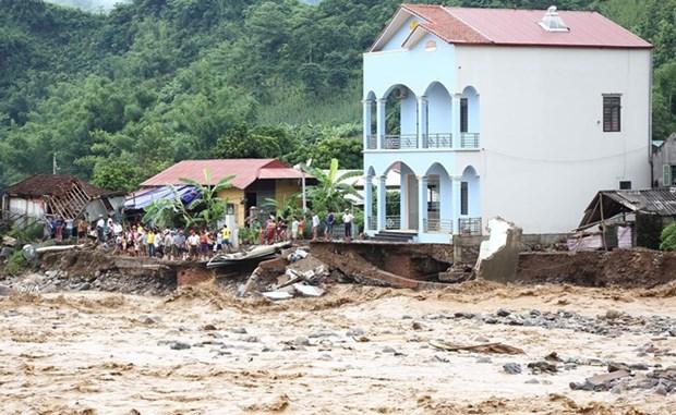 Aide de la Croix-Rouge du Vietnam pour les populations sinistrees des regions montagneuses du Nord hinh anh 1