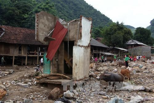 Crues : des aides pour les sinistres des provinces montagneuses du Nord hinh anh 1