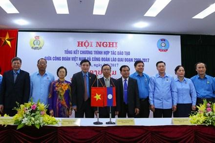 Resserrement de la cooperation syndicale Vietnam-Laos hinh anh 1