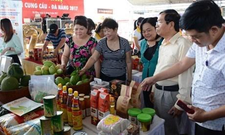 Ouverture de la foire internationale du commerce, du tourisme et de l'investissement a Da Nang hinh anh 1