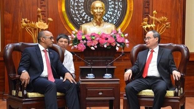 Nguyen Thien Nhan recoit l'ambassadeur cubain hinh anh 1