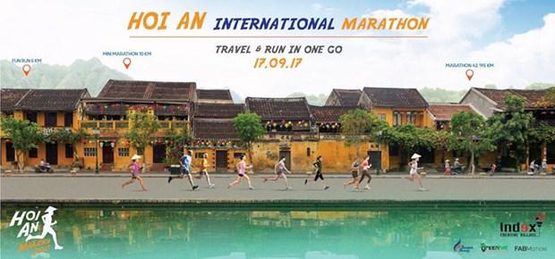 Premier marathon touristique a Hoi An hinh anh 1