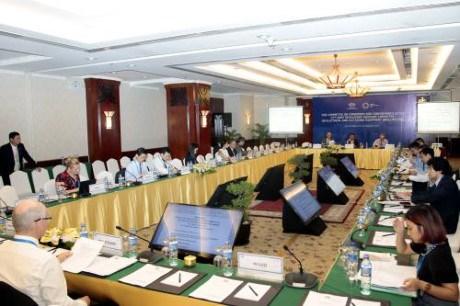 APEC 2017 : divers sujets en debat le 20 aout hinh anh 1