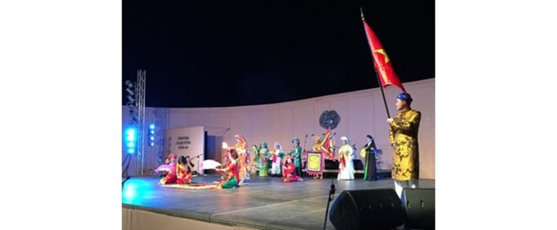 Le Vietnam participe au festival international de la culture folklorique en Grece hinh anh 1