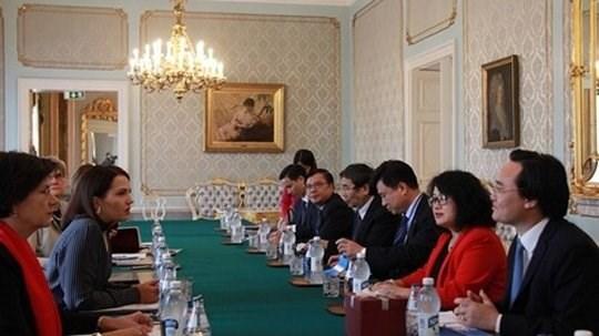 Le Vietnam et la Finlande approfondissent leur cooperation dans l'education hinh anh 1