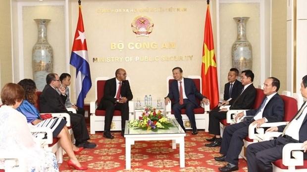 Consolider l'amitie speciale Vietnam - Cuba hinh anh 1