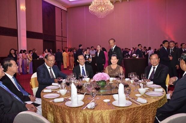 Les relations entre le Vietnam et le Cambodge se developpent rapidement hinh anh 1