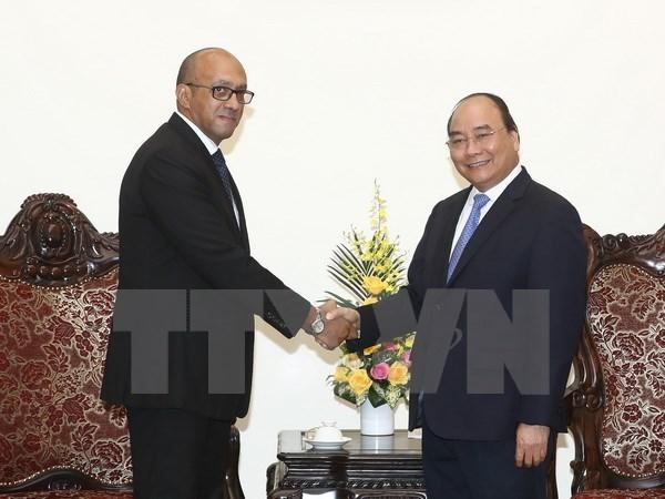 Le PM salue les contributions de l'ambassadeur cubain hinh anh 1