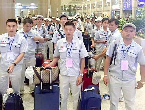 Pres de 79.000 travailleurs envoyes a l'etranger en 8 mois hinh anh 1