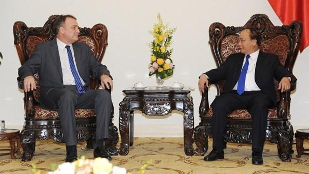 Le PM Nguyen Xuan Phuc recoit l'ambassadeur de Slovaquie au Vietnam hinh anh 1