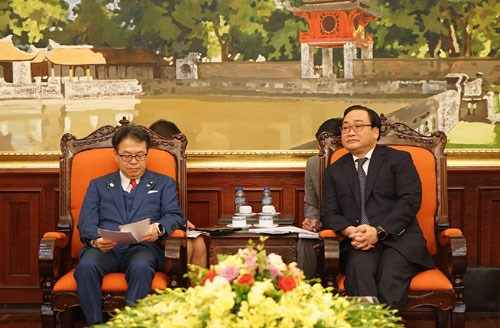 Hanoi souhaite des aides japonaises pour ses projets ferroviaires hinh anh 1