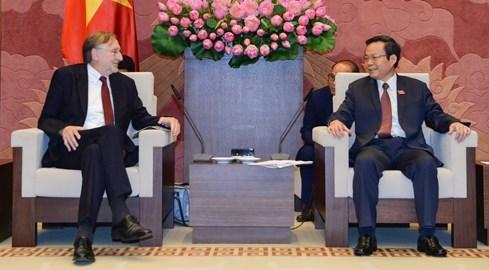 Le president de la Commission du Commerce international du Parlement europeen au Vietnam hinh anh 1