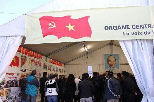 Le journal Nhan Dan present a la Fete de l'Humanite 2017 hinh anh 1