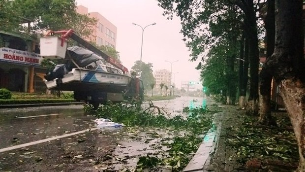 Message de sympathie du PM laotien au Vietnam apres le passage du typhon Doksuri hinh anh 1