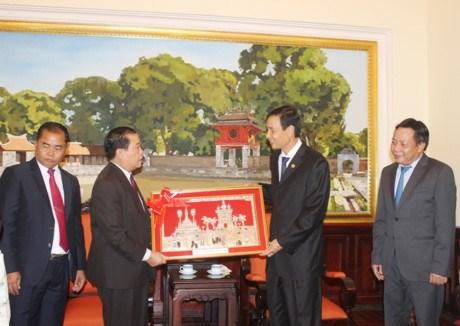 Hanoi et Vientiane intensifient la cooperation et la solidarite hinh anh 1