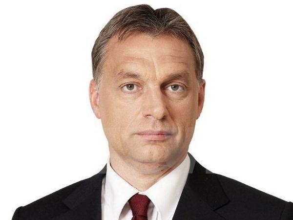 Le Premier ministre hongrois entame sa visite officielle au Vietnam hinh anh 1