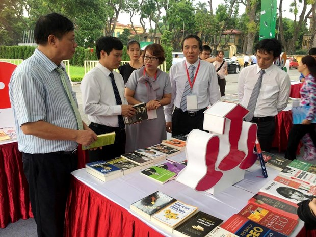 Hanoi : Inauguration de la fete « Le livre et les Start-ups » hinh anh 1