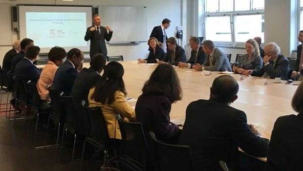Le Vietnam a la table ronde sur le climat et la securite aux Pays-Bas hinh anh 1
