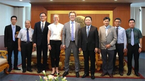 Le ministre de l'Environnement plaide pour une etroite cooperation vietnamo-suedoise hinh anh 1