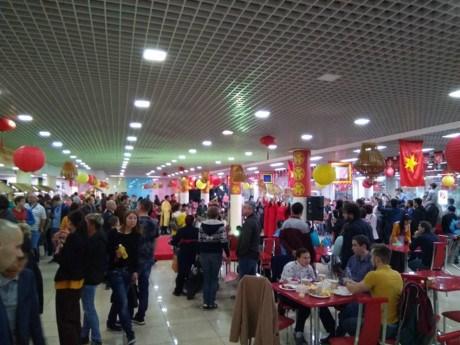 Festival de la cuisine de rue vietnamienne a Moscou hinh anh 1