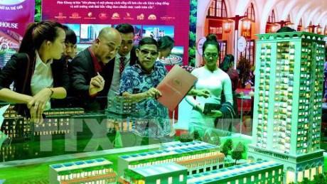 Ouverture de la 2e exposition internationale Vietbuild 2017 hinh anh 1