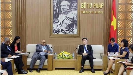 Le ministere de la Justice renforce sa cooperation avec l'UNICEF et la BM hinh anh 1