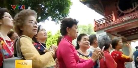 Une delegation de Viet kieu en Thailande en visite au Vietnam hinh anh 1