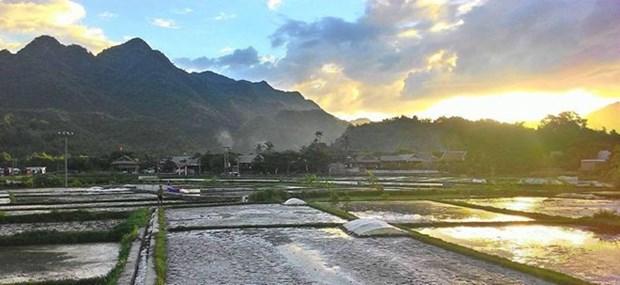 Festival des villages du tourisme du Nord-Ouest a Hoa Binh hinh anh 1