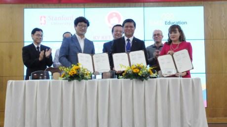 HCM-Ville accelere la mise en oeuvre du programme educatif STEM hinh anh 1
