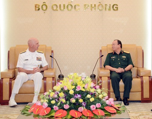 Le commandant de la flotte americaine du Pacifique en visite au Vietnam hinh anh 1