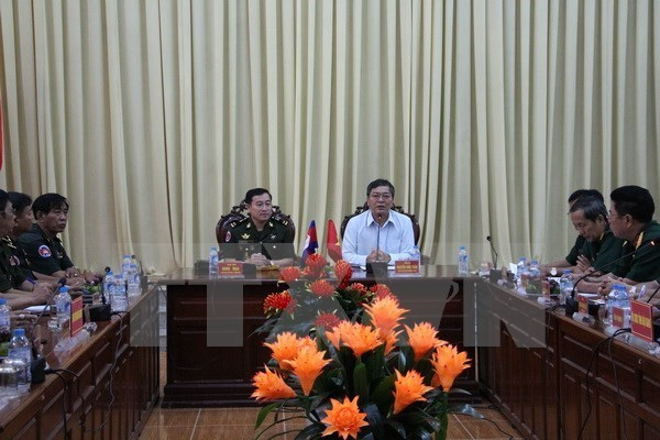 Une delegation militaire cambodgienne en visite a Hau Giang hinh anh 1