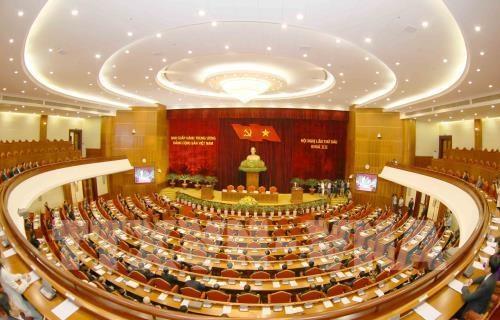 Le 6e Plenum se termine par l'adoption de plusieurs documents hinh anh 2