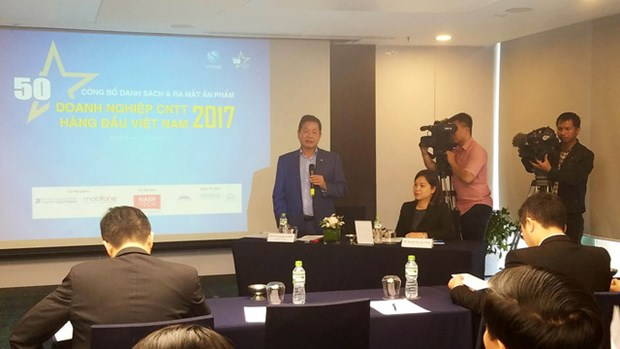 Publication de la liste des 50 leaders des TI au Vietnam en 2017 hinh anh 1