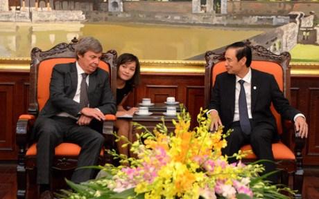 Hanoi impulse sa cooperation avec l'Argentine hinh anh 1