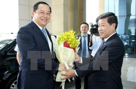 Le vice-PM laotien Sonexay Siphandone en visite a Binh Duong hinh anh 1