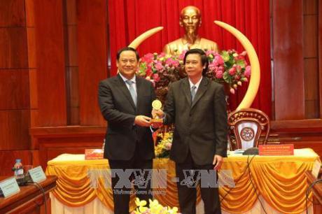 Le vice-PM laotien Sonexay Siphadone poursuit sa tournee dans le delta du Mekong hinh anh 1