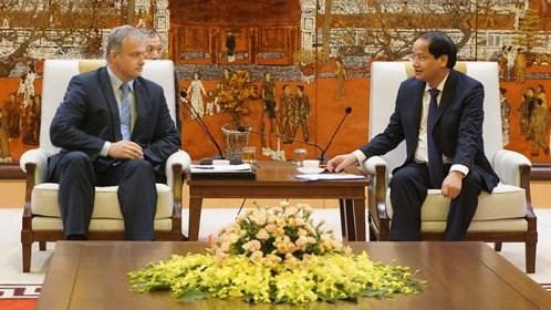 Hanoi veut cooperer avec la Bielorussie dans les transports et la sante hinh anh 1