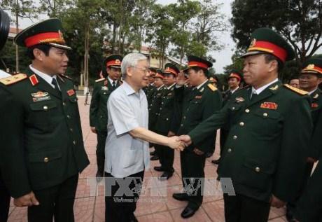Le secretaire general du PCV travaille avec la 4e zone militaire hinh anh 1