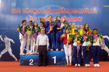 Championnats d'escrime d'Asie U23 : le Vietnam sur le podium hinh anh 1