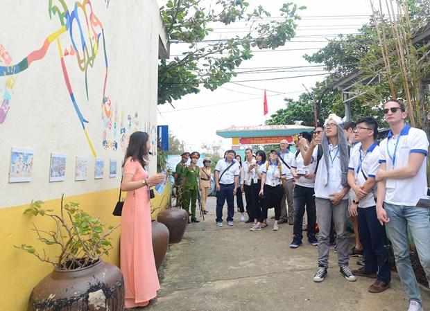 APEC 2017: Les jeunes delegues a la decouverte de Quang Nam hinh anh 1