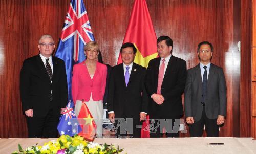 Le vice-Premier ministre Pham Binh Minh recoit la ministre australienne des AE hinh anh 1