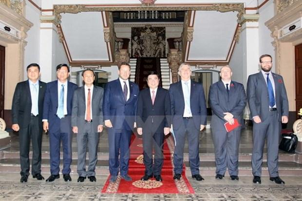 HCM-Ville renforce la cooperation avec le Royaume-Uni dans le commerce et la culture hinh anh 1