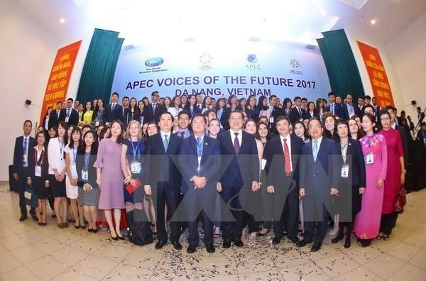 APEC 2017 : cloture du forum Voix du Futur de l'APEC 2017 a Quang Nam hinh anh 1