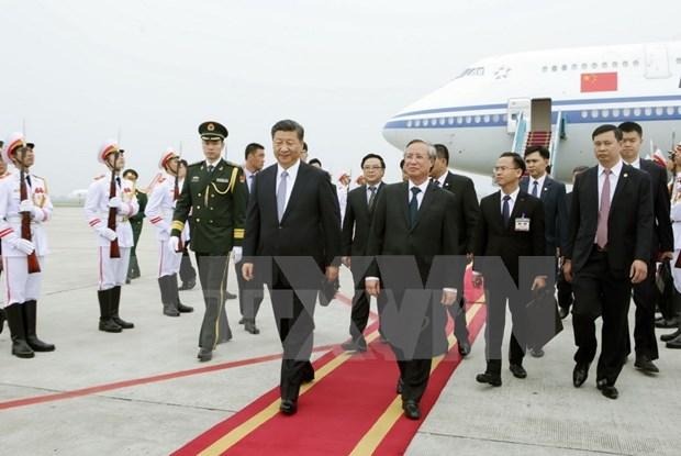 Le dirigeant chinois Xi Jinping est arrive a Hanoi, entamant sa visite d'Etat au Vietnam hinh anh 1