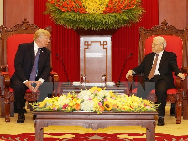 Le secretaire general Nguyen Phu Trong recoit le president americain Donald Trump hinh anh 1
