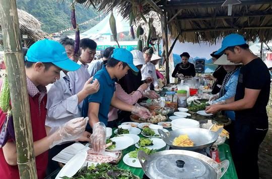 Ouverture du 9e programme touristique «En traversant les regions patrimoniales de Viet Bac» hinh anh 1