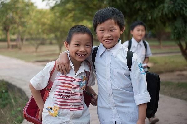 Lancement d'un projet en faveur des enfants vulnerables hinh anh 1